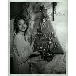1965 Press Photo Beverly Garland Bing Crosby Show ABC - RRW25685