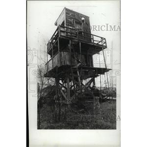 1985 Press Photo World War II Watchtower Michigan - RRW96213