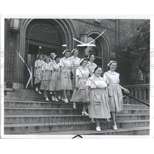 1942 Press Photo Harper Hospital Nurse School Graduates - RRV89061