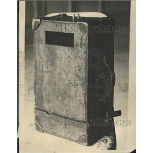 1922 Press Photo The Sitging Valise - RRW51073