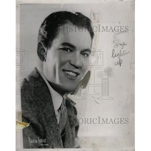 1936 Press Photo Truman Bradley Actor Radio Narrator - RRX64607