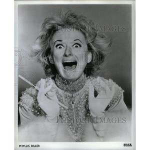 1969 Press Photo Phyllis Diller American Fang Comedian - RRX26719