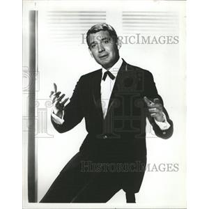 1961 Press Photo Actor Gene Barry - RRW26453