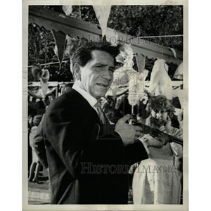 1964 Press Photo Actor Richard Conte - RRW20979