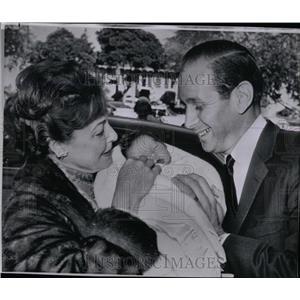 1962 Press Photo Laraine Day and Mike Grilikhes - RRW84845