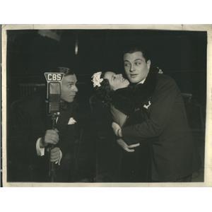 1936 Press Photo Tony Martin Actor George Burns CBS Television Show - RSC99565