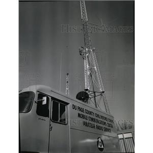 1958 Press Photo Thomas Korn Antenna Specialist Tower - RRX66151