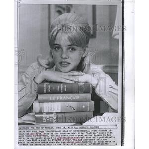 1962 Press Photo ACTRESS SUE LYNDON - RRW48449