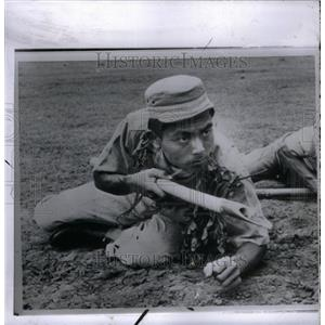 1962 Press Photo Indonesian Army Volunteer With Spear - RRX60421