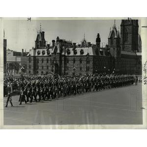 1932 Press Photo Honor Guards Parade Ottawa Canada - RRX63789