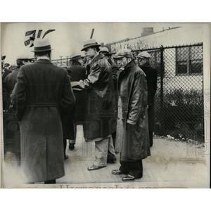 1933 Press Photo Robert Darrow Detroit Slim Briggs - RRW92689