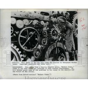 1973 Press Photo Charlie Chaplin Modern Times - RRX43299