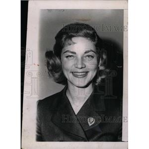 1958 Press Photo Lauren Bacall film stage actress model - RRW83111