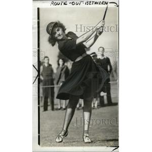 1939 Press Photo Actress Paulette Goddard Plays Golf - RRW72663