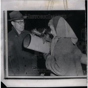 1958 Press Photo Margaret Snow Manhattan Moonwatch team - RRX57607