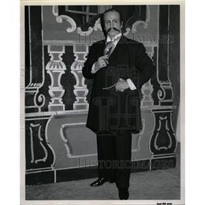 1960 Press Photo Frank Guarrera Actor & Opera Baritone - RRW19489