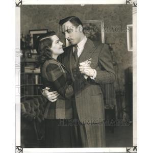 1940 Press Photo Elizabeth Love ans Leon Ames (Actress/Actor) - RSC00095