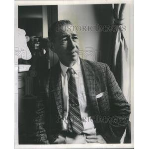 1959 Press Photo Harry Sinclair Film Director Actor Writer Lives In Bloomington
