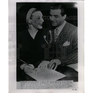 1947 Press Photo Actress Fifi D'Orsay Actor Peter - RRX73191