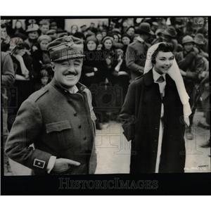 1958 Press Photo Actors Vittorio de Sica Jennifer Jones - RRY63111