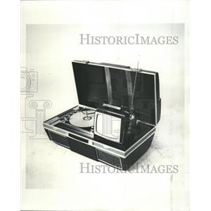 1966 Press Photo Port-A-Go Phonograph - RRW35319