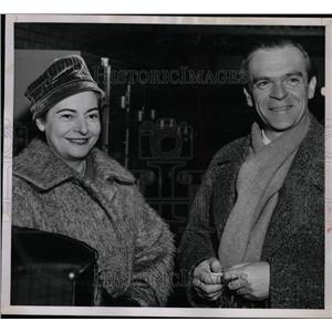 1957 Press Photo Witold Colette Malcuzynski auditorium - RRW10601