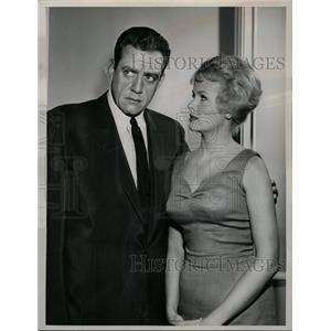 1961 Press Photo Raymond Burr (Canadian Actor) - RRW27671