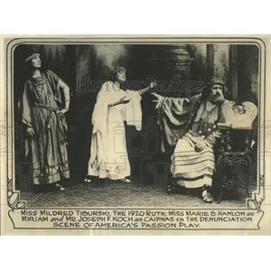 Scene in Passion Play - RRW52663