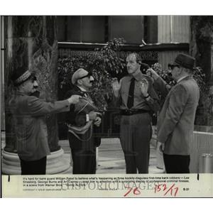 1979 Press Photo Going In Style Film Movie Actors Scene - RRX68385