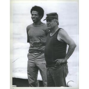 """1978 Press Photo Felton Perry and William Windom stars in """"Hunters of the Reef"""""""