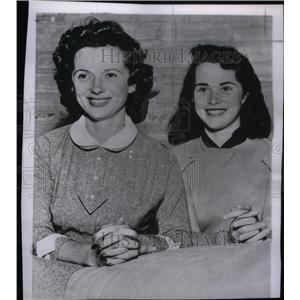 1956 Press Photo Sandra Hayden - RRX47157