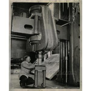 1944 Press Photo Technological Inst University Evanston - RRW24277