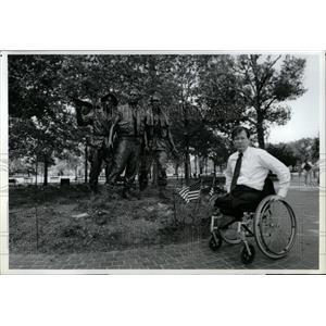 1991 Press Photo Lewis Puller Jr. Vietnam Veteran - RRW02213