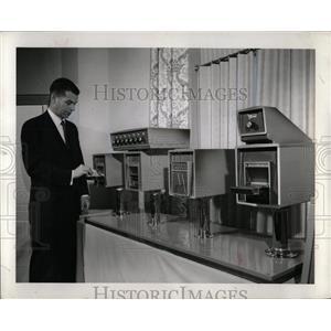 1963 Press Photo Motorola solid-state electronic Data S - RRW90441