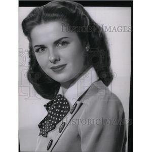 1946 Press Photo Hollywood Newcomer Lifelong Martha - RRX44995