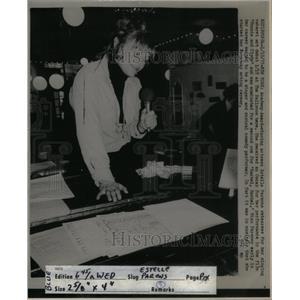1977 Press Photo NY Estelle Cabaret Ballroom Parson - RRX35533