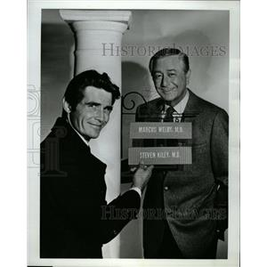 1969 Press Photo James Brolin Robert Young Marcus Welby - RRW27629