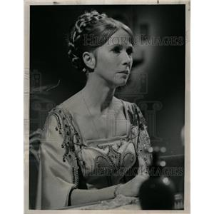 1968 Press Photo Julie Harrus Actress Hall Fame Hallmar - RRW20489