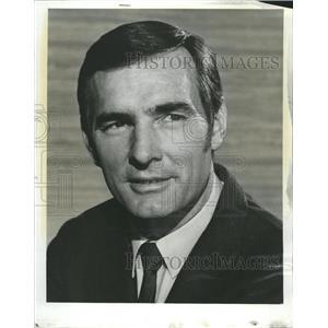1969 Press Photo Dennis Weaver American Actor - RRW50429