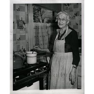 1950 Press Photo Mrs. Mary Ferrier Has Health Formula - RRW11123