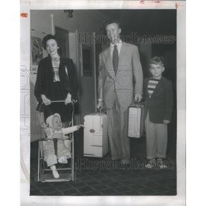 1951 Press Photo The James Holden Family- RSA93205