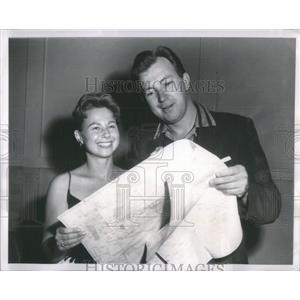 1957 Press Photo Herb Shriner American humorist television host - RSC41039