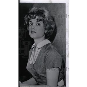 1961 Press Photo Karen Sharpe film stage artist scene - RRW82095