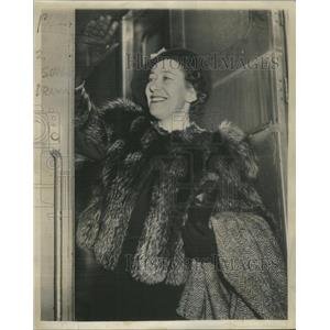 1939 Press Photo Flora Robinson After Playing N Wuthering Heights - RSC37941
