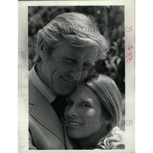 1974 Press Photo Lloyd Bridges Cloris Leachman ABC - RRW13505