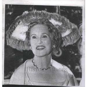 1957 Press Photo Former Screen Actress Peggy Hamilton Before Facial Treatment