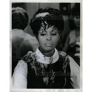 """1969 Press Photo Diahann Carroll In """"Hilda's No Help"""" - RRW19981"""