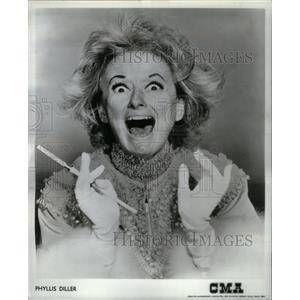 1969 Press Photo Phyllis Diller America Cigarette Laugh - RRX26711