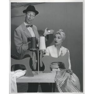 1959 Press Photo Actors Gene Raymond and Debra Paget - RSC90503