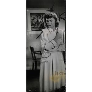1946 Press Photo Dorothy McGuire on Set - RRW76767